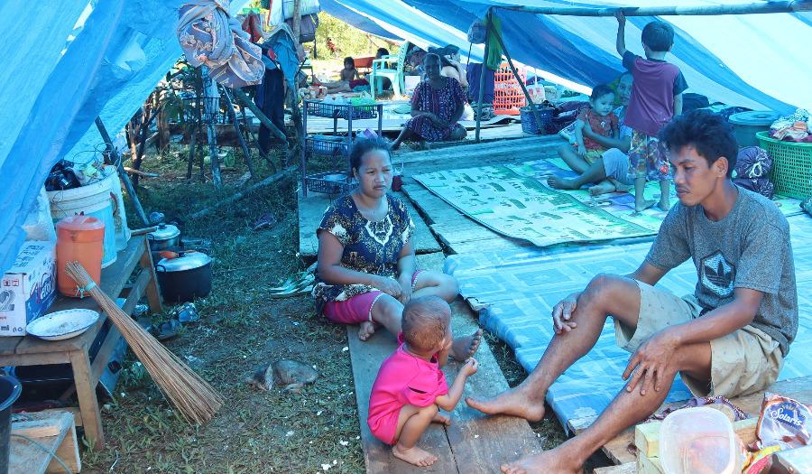 Onderdak en voedsel voor getroffenen aardbeving Sulawesi (Indonesie)